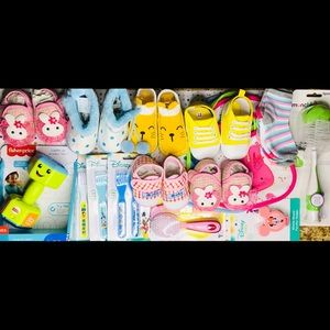 NWT Lot of 17 items for baby GIRL'S